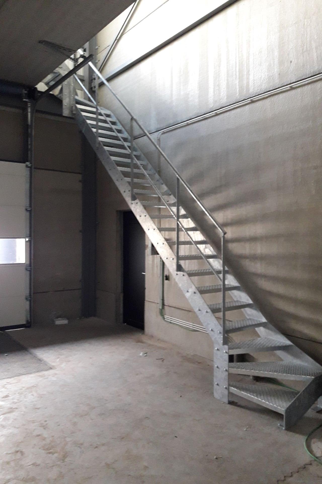 Metalen trappen - Jeffrey Van den Broeck BVBA